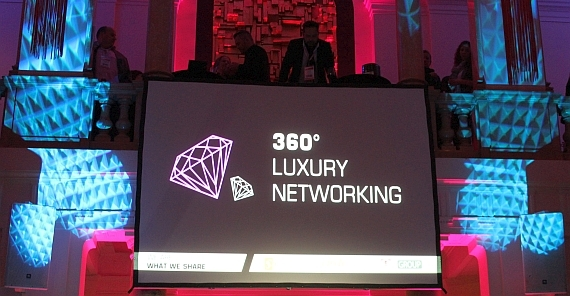 Loop 2014 360 Grad Luxury Networking